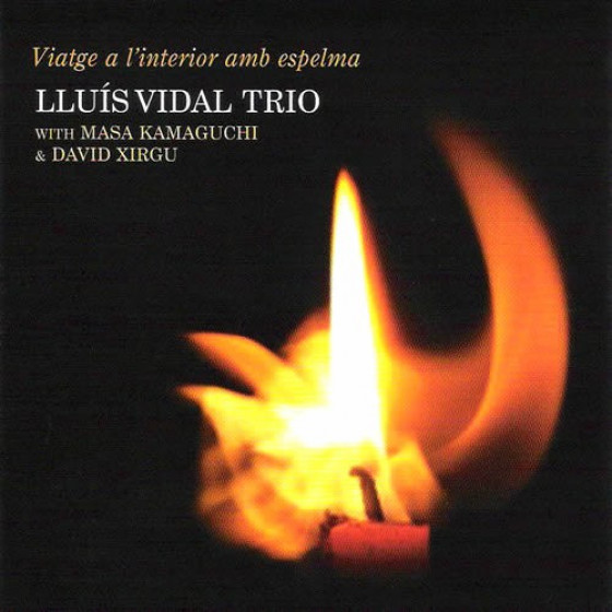 Viatge a l'interior amb espelma